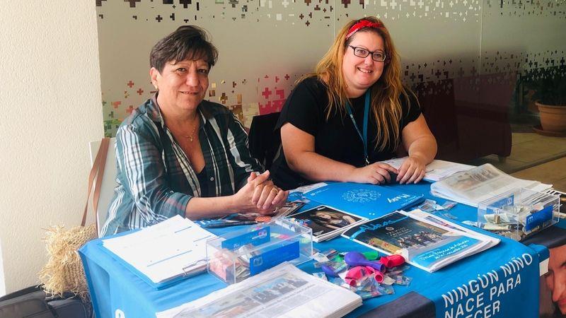 Aldeas Infantiles instala una mesa informativa en nuestro Hospital de Llevan